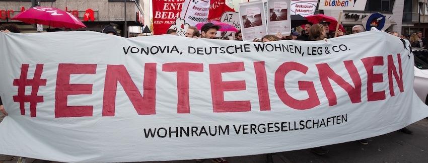 Enteignen-Banner auf der Wohnen-Demo am 6. April 2019 in Köln