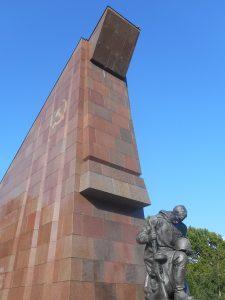 Sowjetisches Ehrenmal in Berlin zum Gedenken an den Sieg über den Faschismus